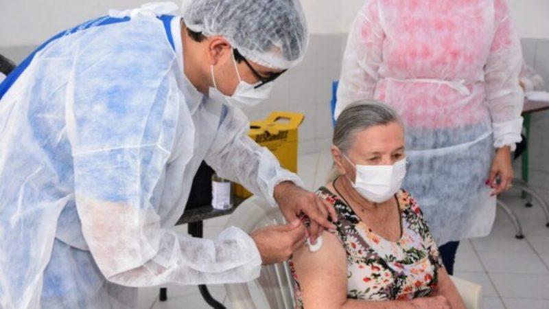 Idosos do Instituto Amantino Câmara em Mossoró, foram vacinados contra a Covid-19