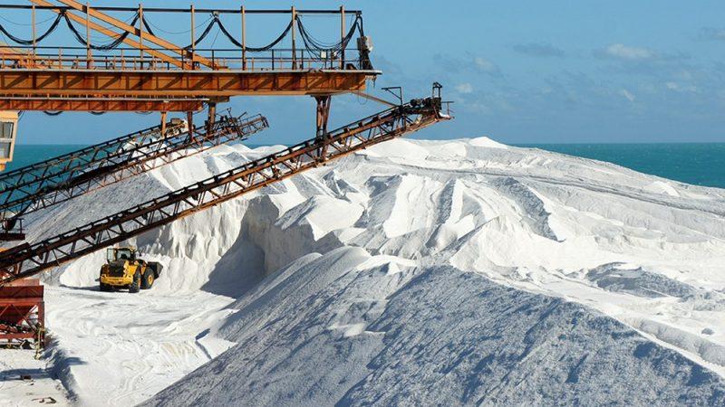 Justiça federal suspende multa milionária de R$ 15 milhões de empresa do setor salineiro