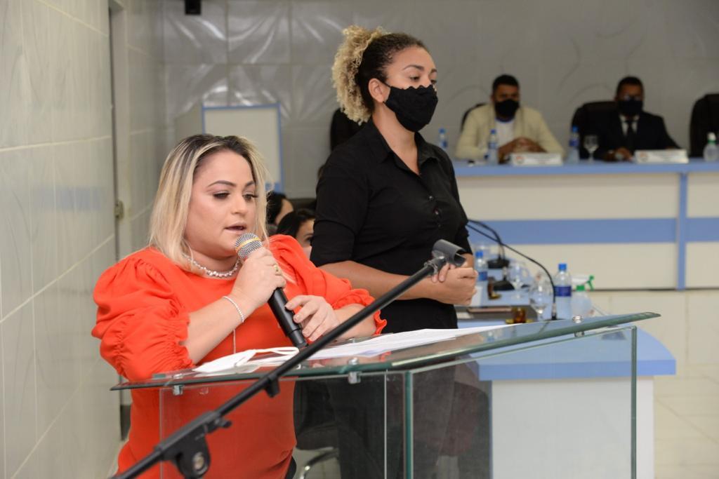 Prefeita Grossos Cinthia Sonale faz leitura da mensagem anual