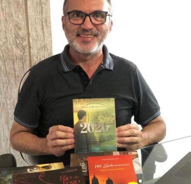 Escritor David Leite evita polêmica e diz que apresentará candidatura a cadeira de imortal da ANLR