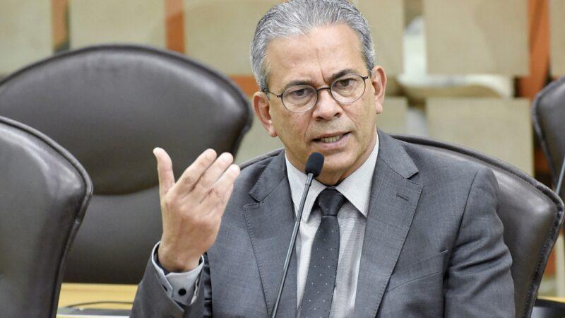 Projeto de Lei do deputado Hermano Morais(PSB) prevê multa para fura-fila