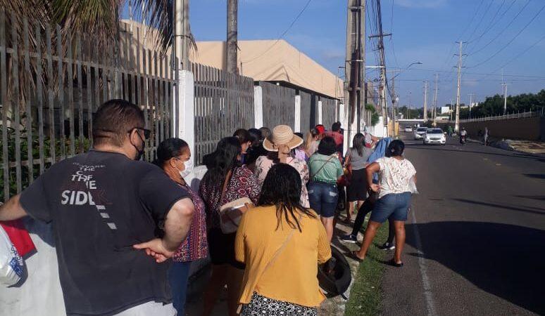 Usuários do SUS enfrentam longa fila para receber remédios na II Ursap