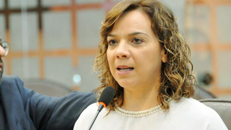 Larissa Rosado demonstra preocupação com situação da saúde municipal