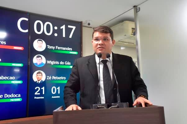 Lawrence entra na disputa pela presidência da Fecam contra Paulinho Freire