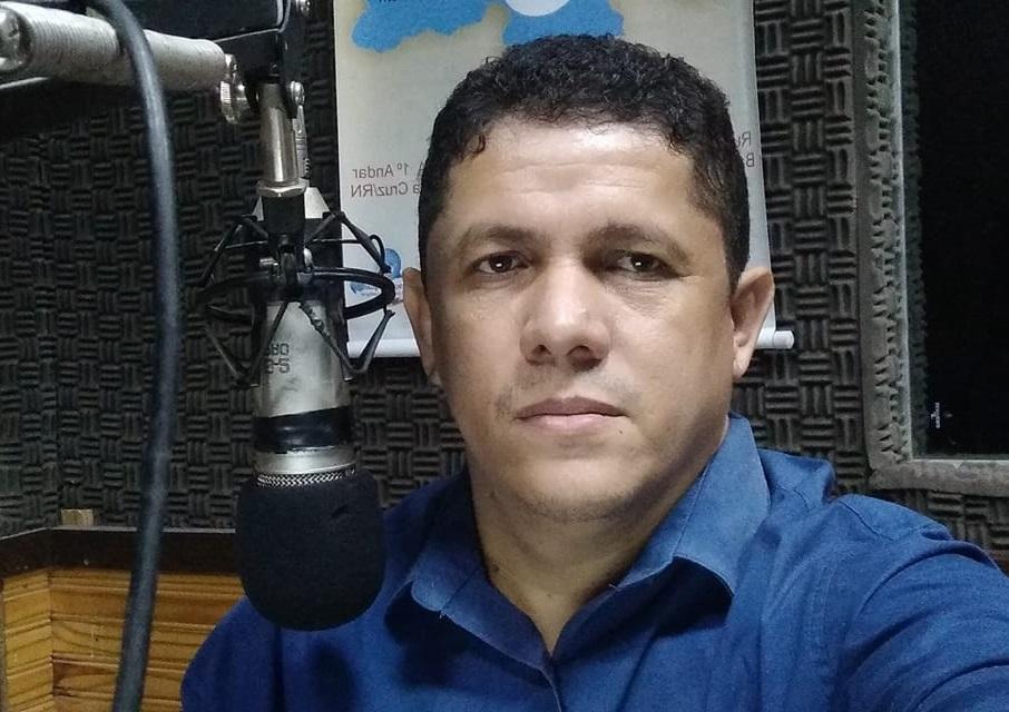 """Magnos Alves estreia Programa Fala Tudo Mossoró """"abrindo os microfones da FM 98 para o povo"""""""