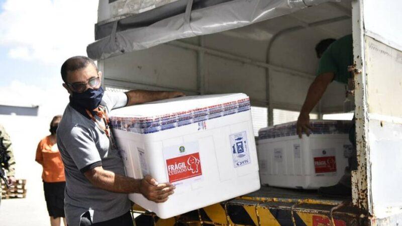Governo do Estado  envia  remessa de vacinas aos municípios do interior para imunização de idosos e 2ª dose em profissionais de saúde