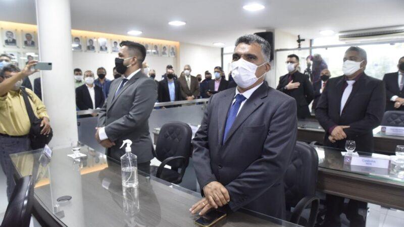 """""""É uma mensagem sem novidades"""", classifica vereador sobre leitura anual do prefeito Allyson Bezerra"""