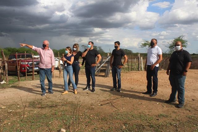 Técnicos do Governo visitam área que será implantado Distrito Empresarial de Caraúbas