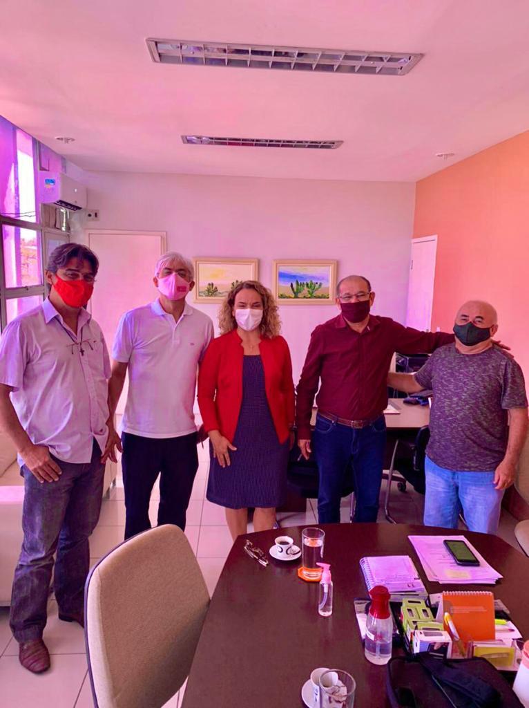 Larissa leva pleito sobre a revitalização dos CAICs ao Governo do Estado