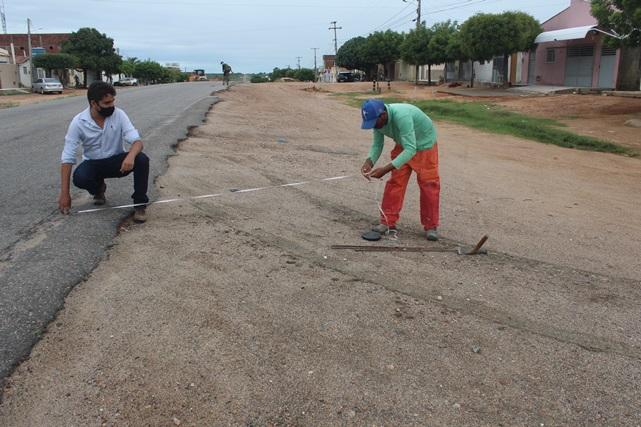 Prefeitura de Caraúbas pavimenta mais nove ruas