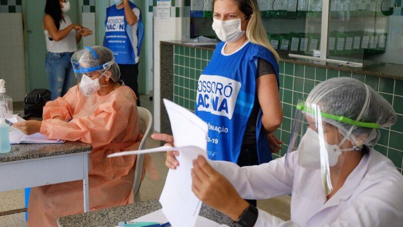Prefeitura de Mossoró amplia  vacinação de idosos de 67, 68 e 69 anos neste domingo