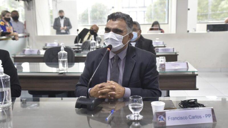Professor Francisco Carlos solicita á Prefeitura de Mossoró vacinação nos fins de semana