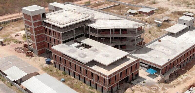 Governo assina ordem e serviço para reinício das obras do Hospital da Mulher