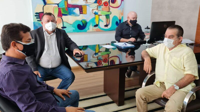 Caraúbas entra em lockddown no sábado e prefeito Juninho busca apoio para conter covid-19