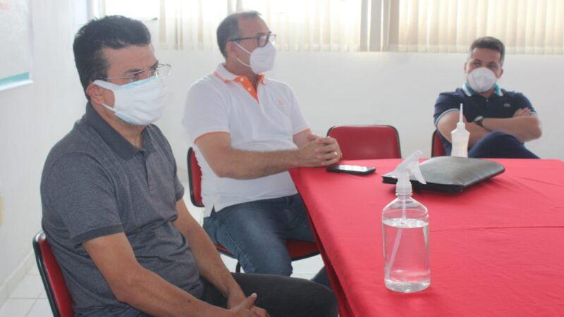 Gestão municipal em Caraúbas se  reúne com a Sesap para ampliar combate à Covid-19
