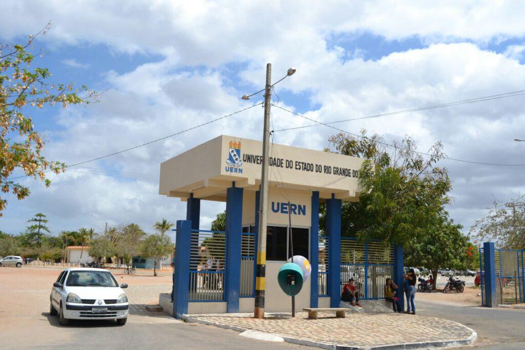 Justiça suspende eleições para reitor e vice da UERN