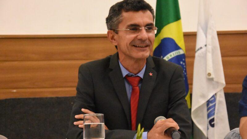 Francisco do PT comemora plano do Governo do RN de iniciar vacinação de profissionais da educação, contra a COVID-19, no próximo dia 24