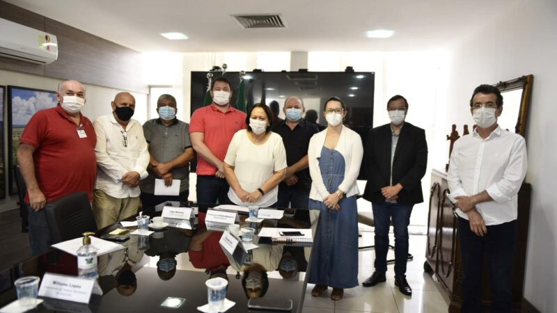 Governadora Fátima Bezerra pede prioridade para restauração de estrada em Jucurutu