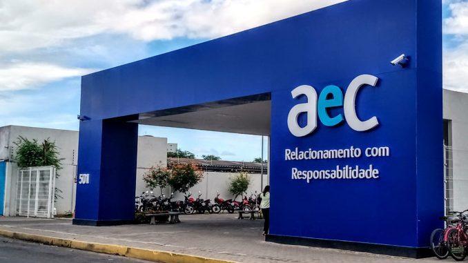 Empresa de telemarketing AeC abre 100 vagas para atendente em Mossoró