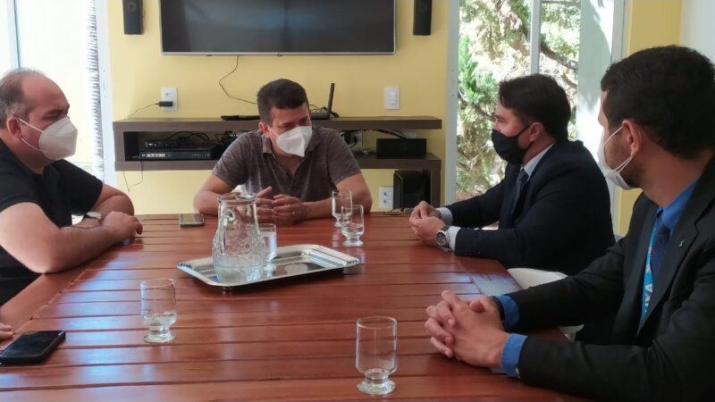 Superintendente da Caixa Econômica visita Caraúbas para instalação de agência