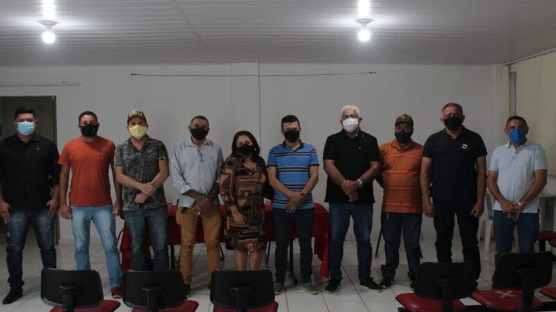 Prefeito Juninho Alves e Presidente da Câmara Hamilton Bezerra debatem temas importantes com vereadores de situação e oposição em Caraúbas