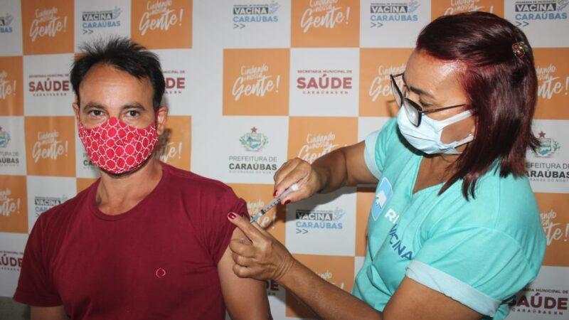 Secretaria de Saúde dá início à vacinação contra Covid-19 para servidores da Educação em Caraúbas