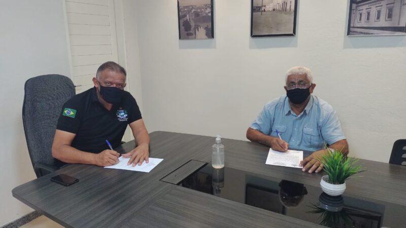 Em Caraúbas vereador Chiquito Praxedes envia ofício a bancada federal do RN solicitando pavimentação da estrada que liga Caraúbas a Upanema