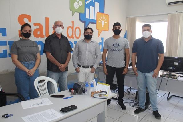 parceria entre Prefeitura e Reitoria da Ufersa visa reestruturar pequenas empresas caraubenses