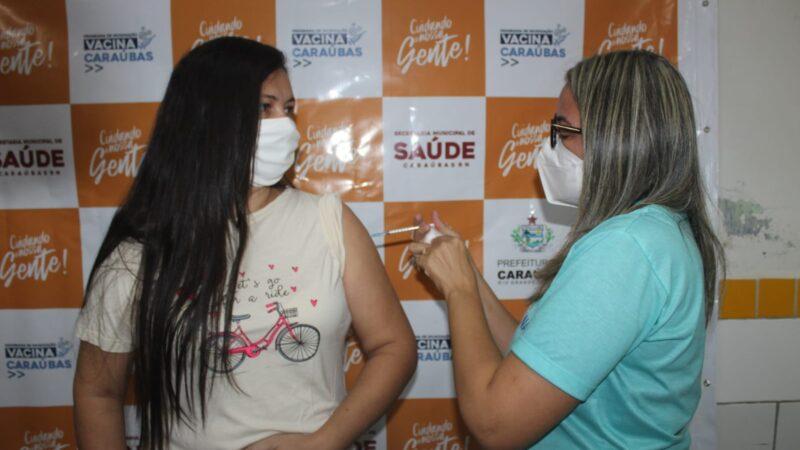 Secretaria de Saúde vacina grupo de 42 anos ou mais em Caraúbas neste sábado(10)