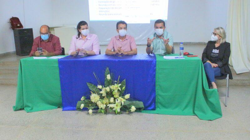 Prefeito de Patu participa de reunião para debater consórcio de municípios no Oeste