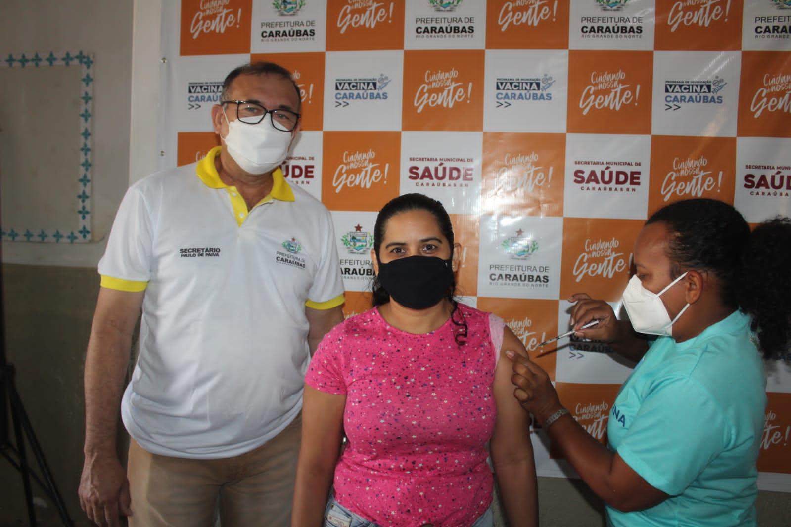 Secretário de Saúde Paulo Brasil acompanha vacinação contra Covid-19 público geral de 35 anos ou mais