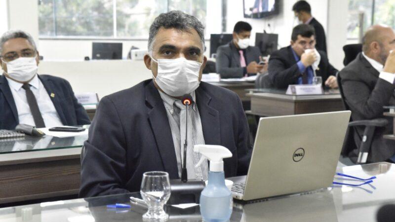 Francisco Carlos faz pesquisa e encontra 50 leis que não são cumpridas em Mossoró
