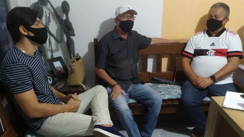 Secretário de Planejamento de Caraúbas visita empreendimento popular comunitário na cidade de Assú
