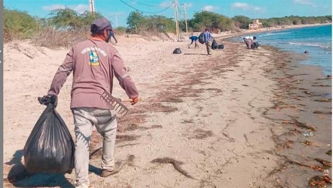 Prefeitura realiza projeto Praia Limpa em alusão ao Dia Mundial da Limpeza