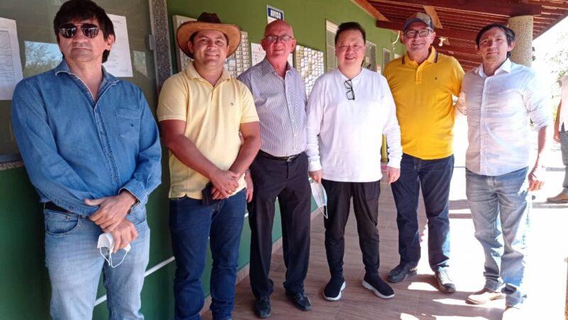 Equipe da gestão municipal de Caraúbas visita fazenda Ipê e fortalece parceria com a VitaMais