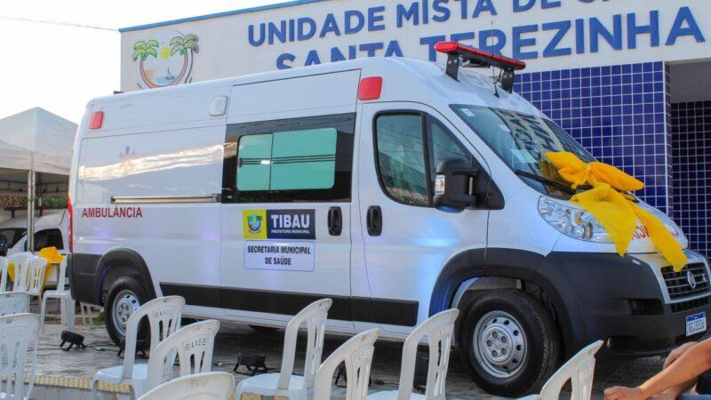 Governo municipal entrega ambulância semi-UTI