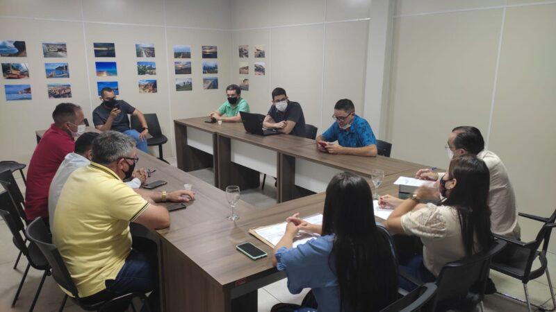 Prefeita de Tibau e vereadores recebem deputado Souza e fazem reivindicações