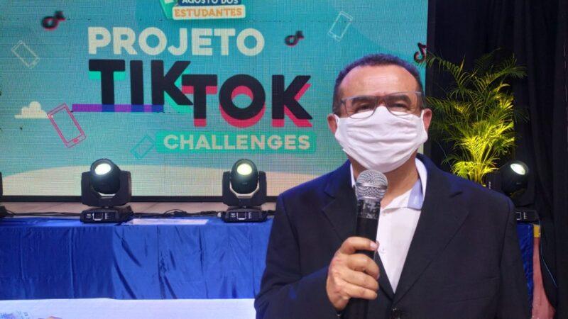 Secretaria de Educação de Caraúbas realiza live de premiação para alunos nota 10