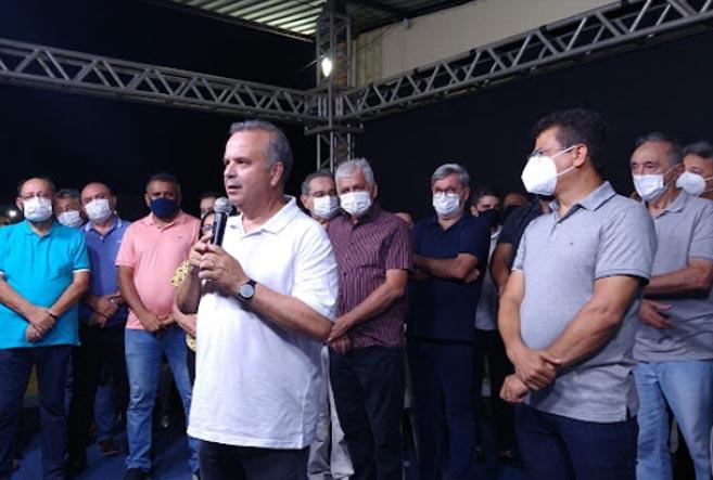 Prefeito de Caraúbas Juninho Alves reúne lideranças politicas em encontro com Rogério Marinho