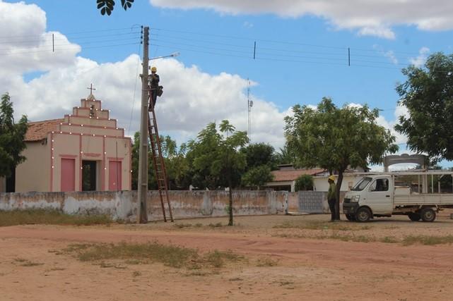 Prefeitura de Caraúbas realiza serviços de melhorias nas estradas da comunidade de Cachoeira