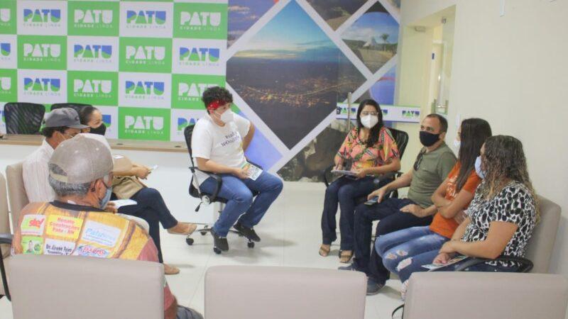 Produtores rurais se reúnem para discutir a implantação de Feira da Agricultura Familiar em Patu