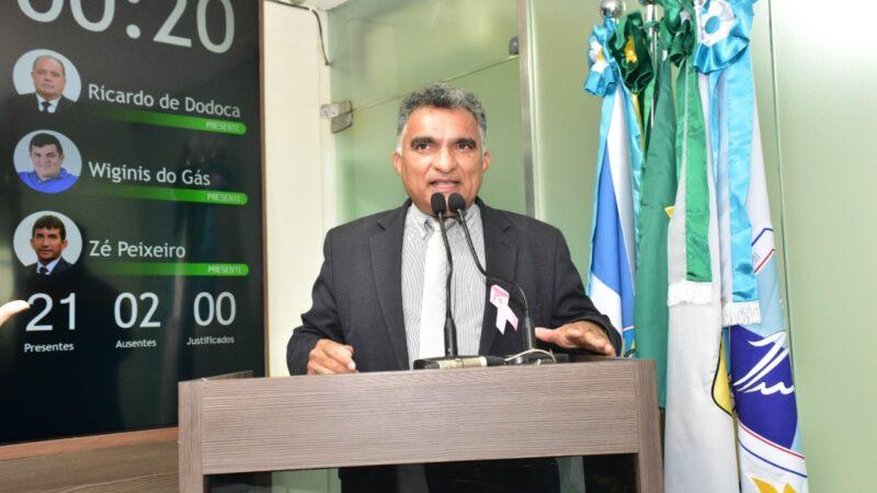 Professor Francisco Carlos cobra retorno das aulas nas Escolas Municipais de Mossoró
