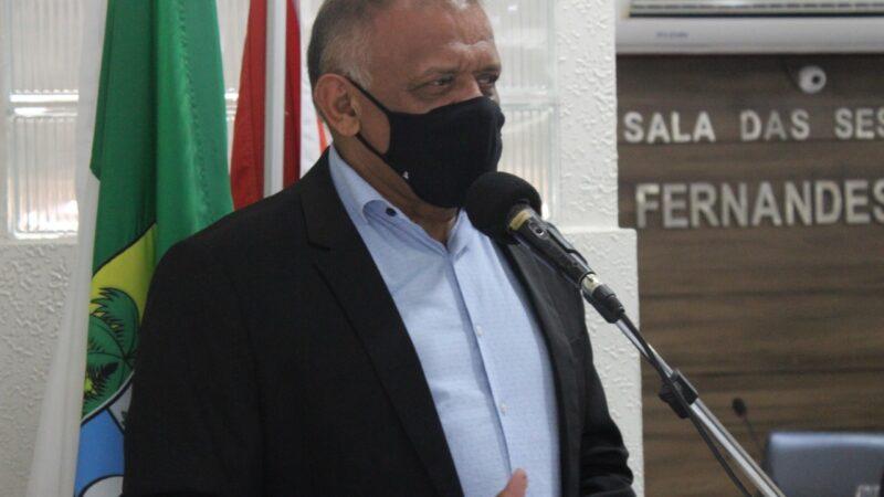 Vereador Hamilton Bezerra apresenta Moção de Reconhecimento e Aplausos aos profissionais da saúde de Caraúbas na luta contra a Covid-19