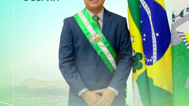 Prefeito de Patu, Rivelino Câmara recebe homenagem pelo Dia do Prefeito