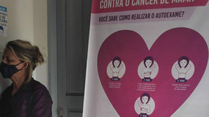 Mulheres da comunidade de Santo Antônio em Caraúbas participam de roda de conversa sobre o Outubro Rosa