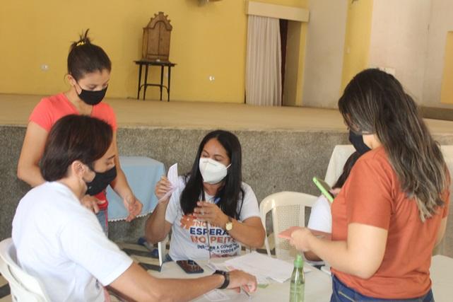 Secretaria de Saúde vacina contra Covid-19 público com 18 anos ou mais em Caraúbas
